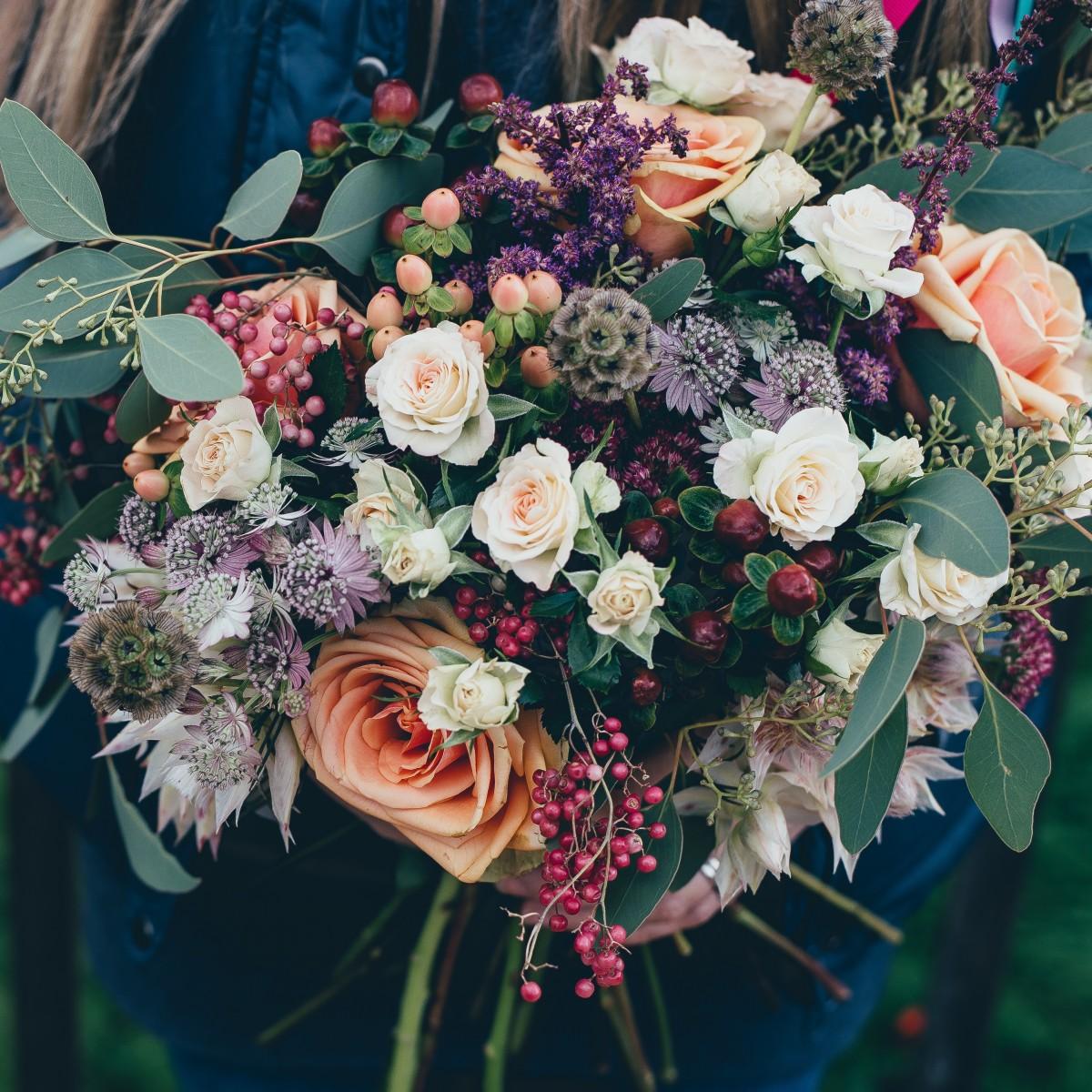 kostenlose foto blume strau bunt flora floristik verkauf bl hende pflanze blumenstrau. Black Bedroom Furniture Sets. Home Design Ideas