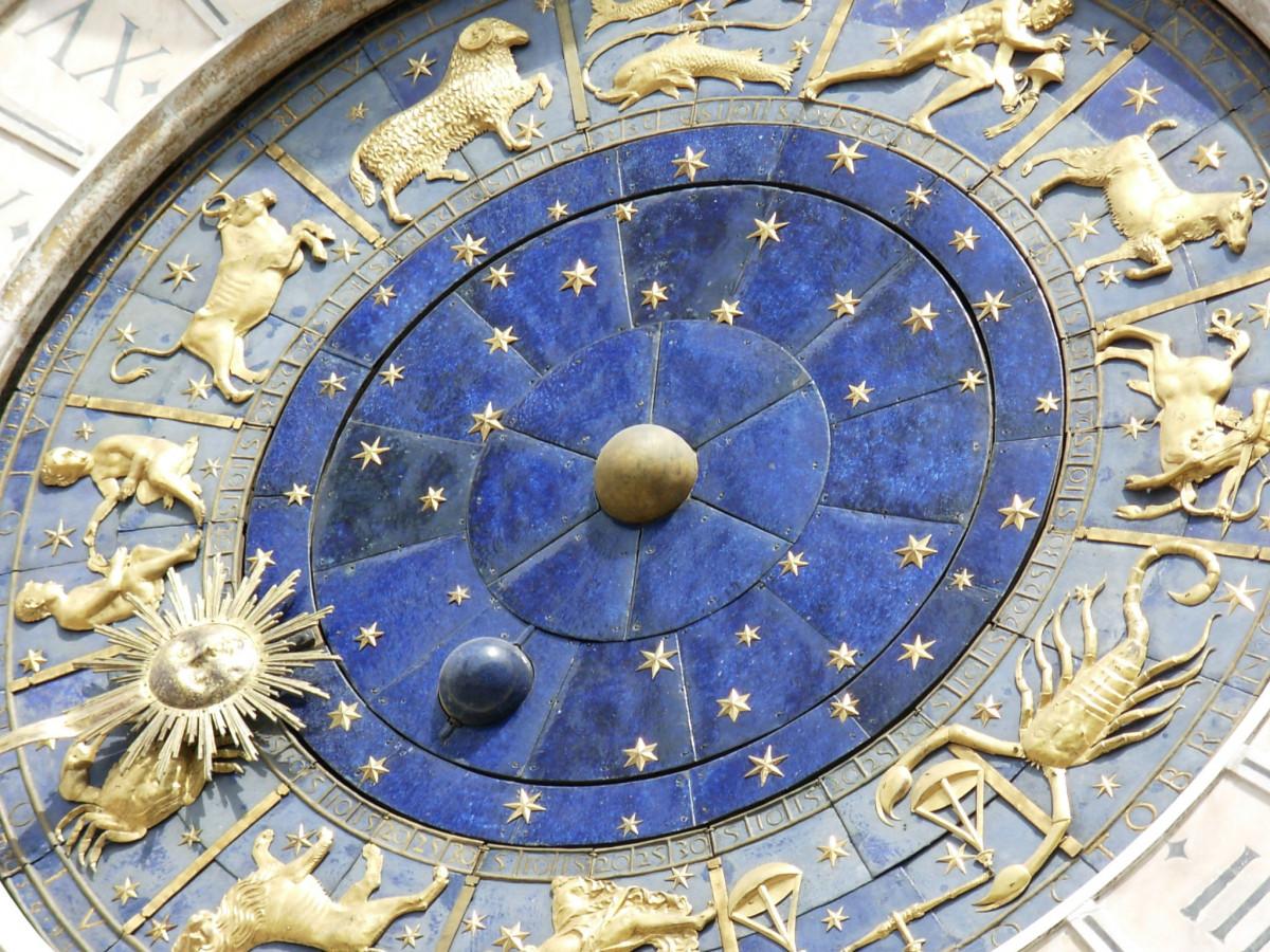 ベニス 時計 サークル アート 歴史的 ドーム 彫刻 考古学的なサイト 星占い 古代の歴史 十二支