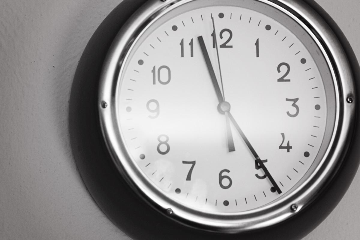 На этом веб-сайте вы можете узнать текущее время и дату в любой стране и городе мира.