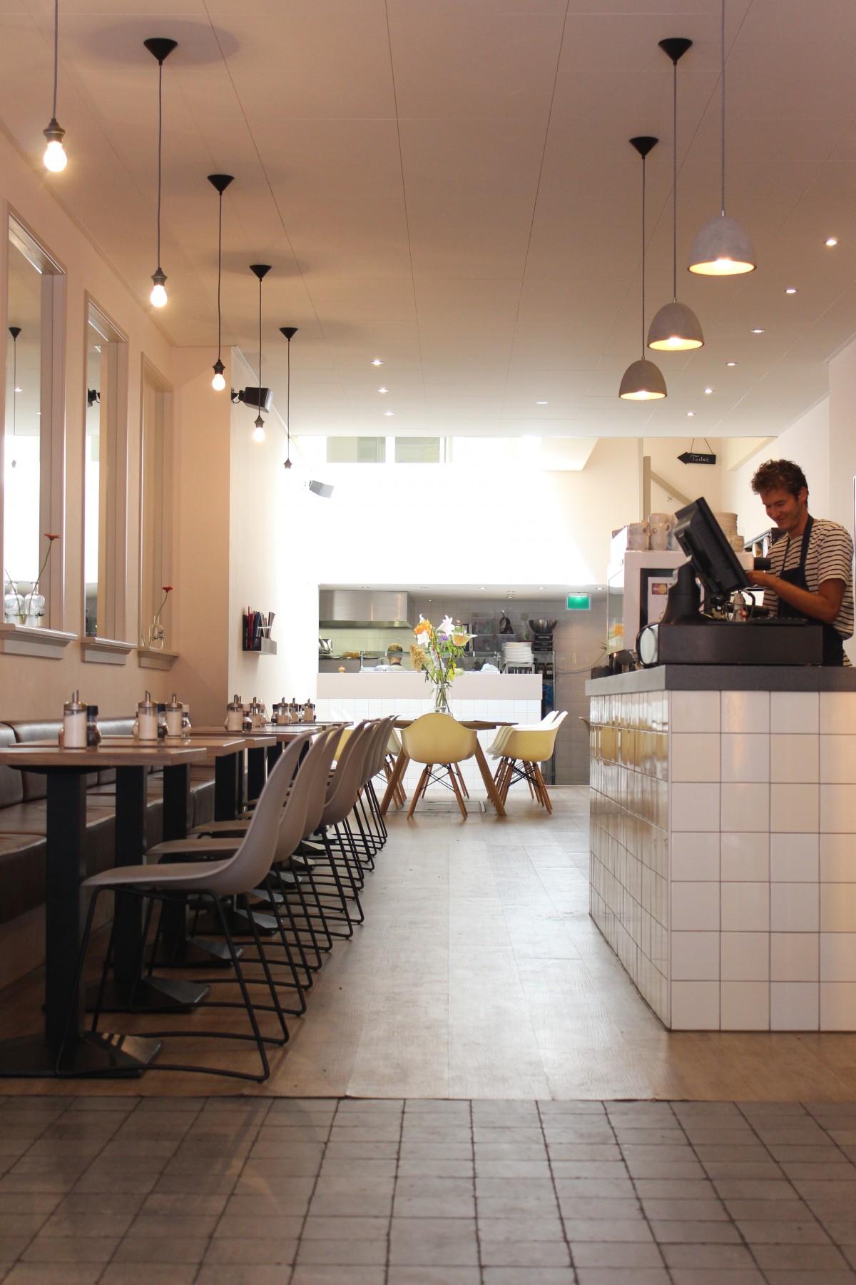Fotos gratis piso restaurante techo habitaci n for Diseno de iluminacion de interiores