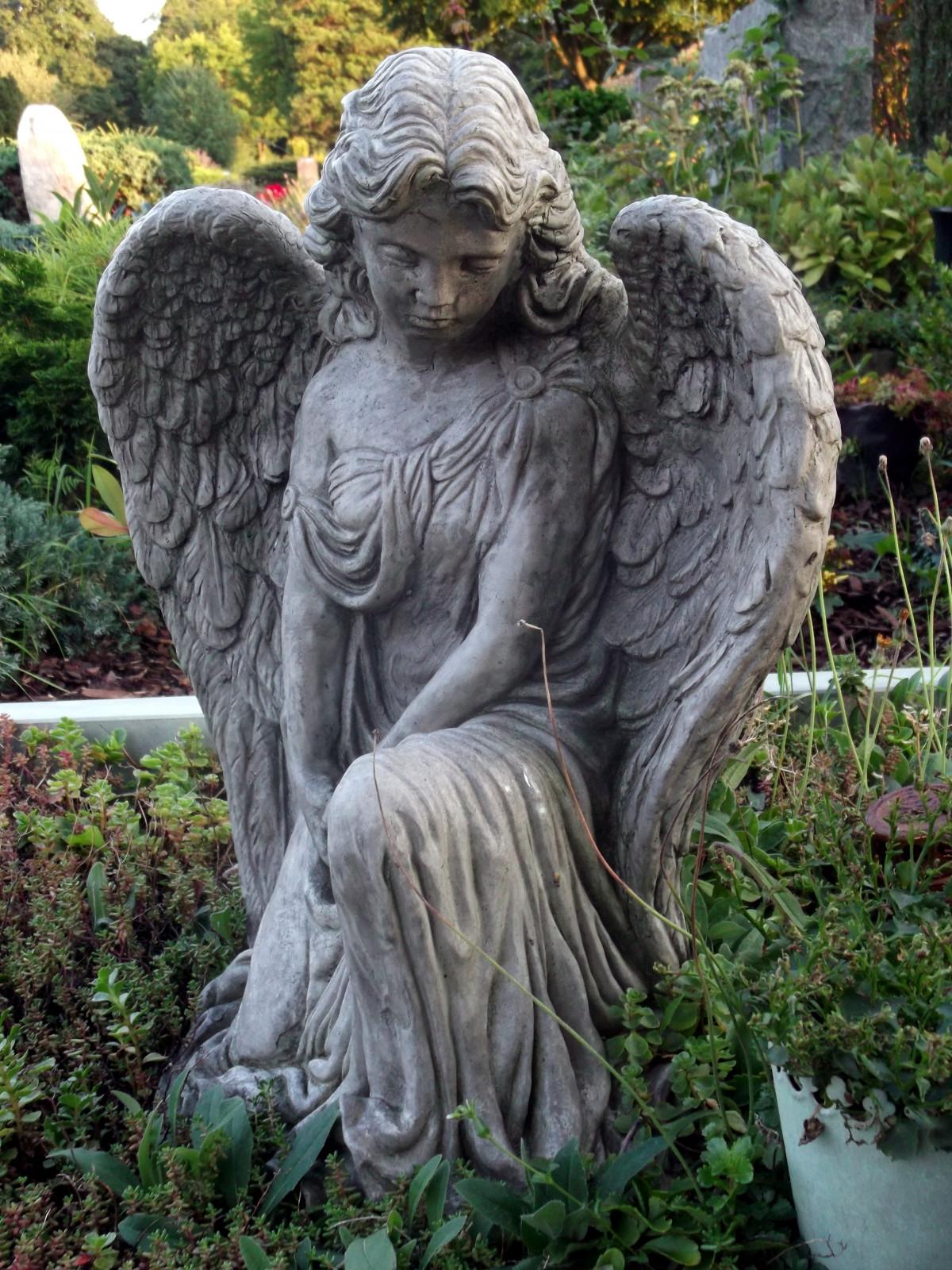 фотографии рисунки скорбящих ангелов первых