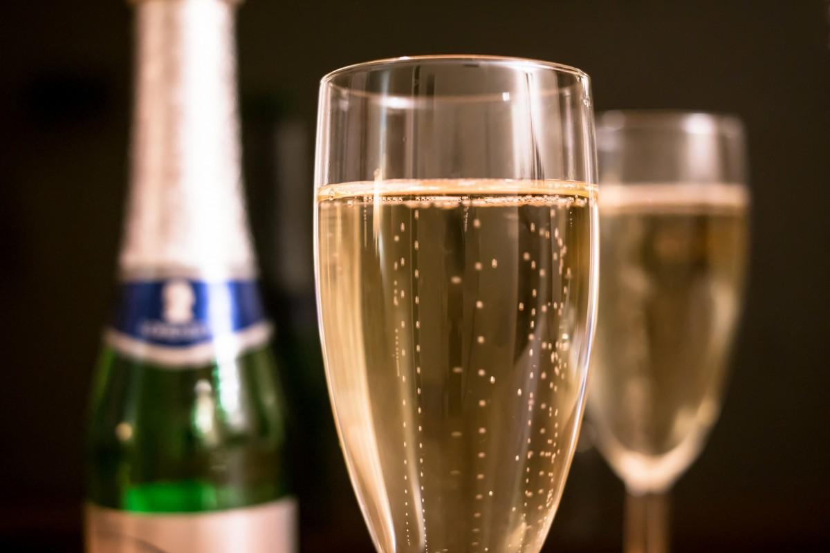 Картинки с фужерами шампанского, днем рождения грузину