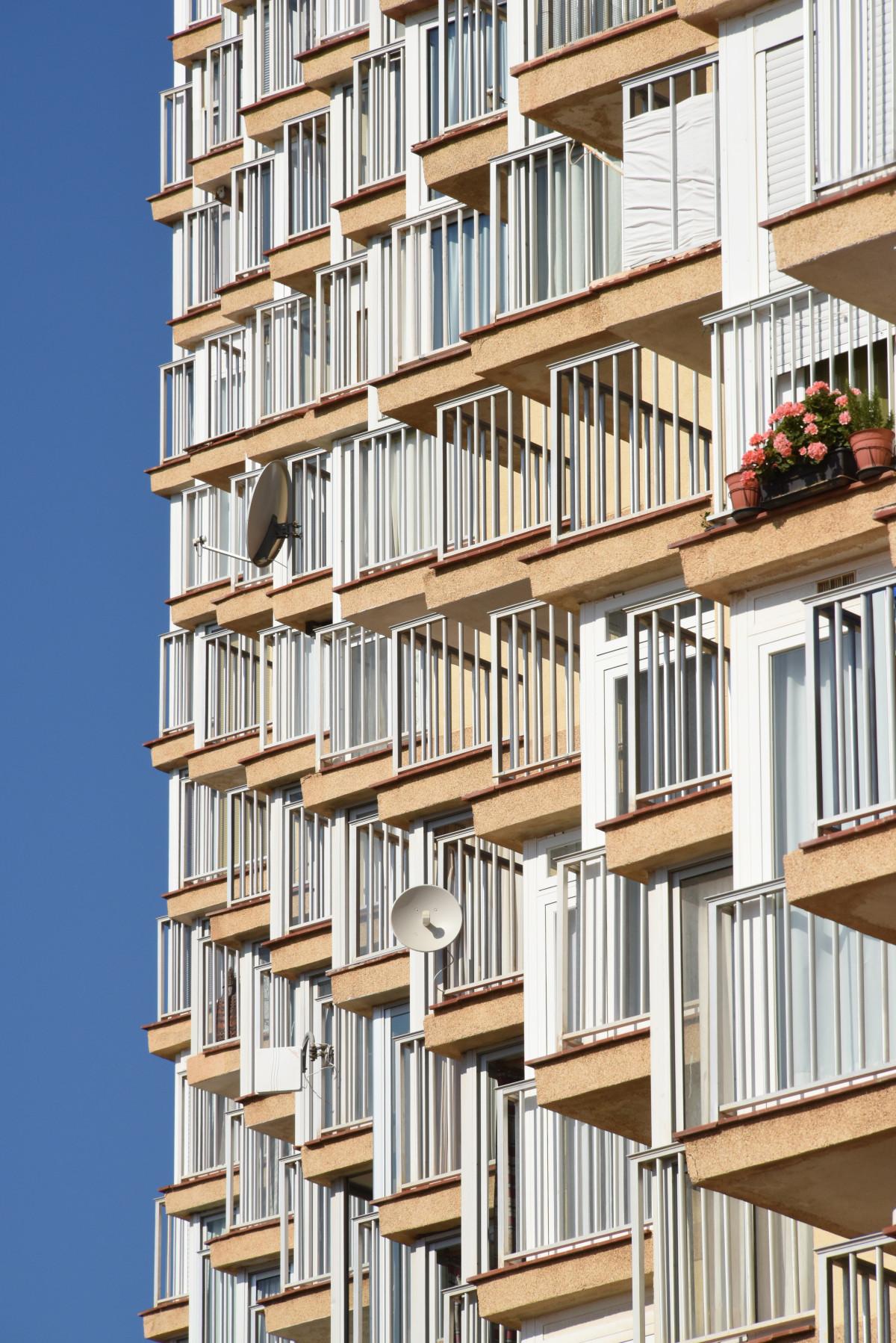 Картинки : архитектура, дерево, окно, здание, балкон, фасад,.