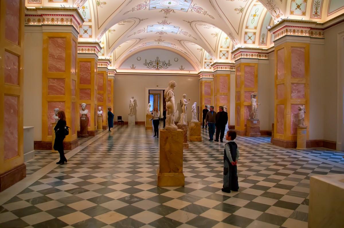 Fotos gratis museo dise o de interiores espa a mesas for Diseno de interiores grado madrid
