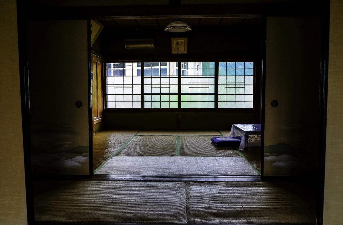 kostenlose foto licht die architektur holz haus fenster zuhause mauer halle farbe. Black Bedroom Furniture Sets. Home Design Ideas