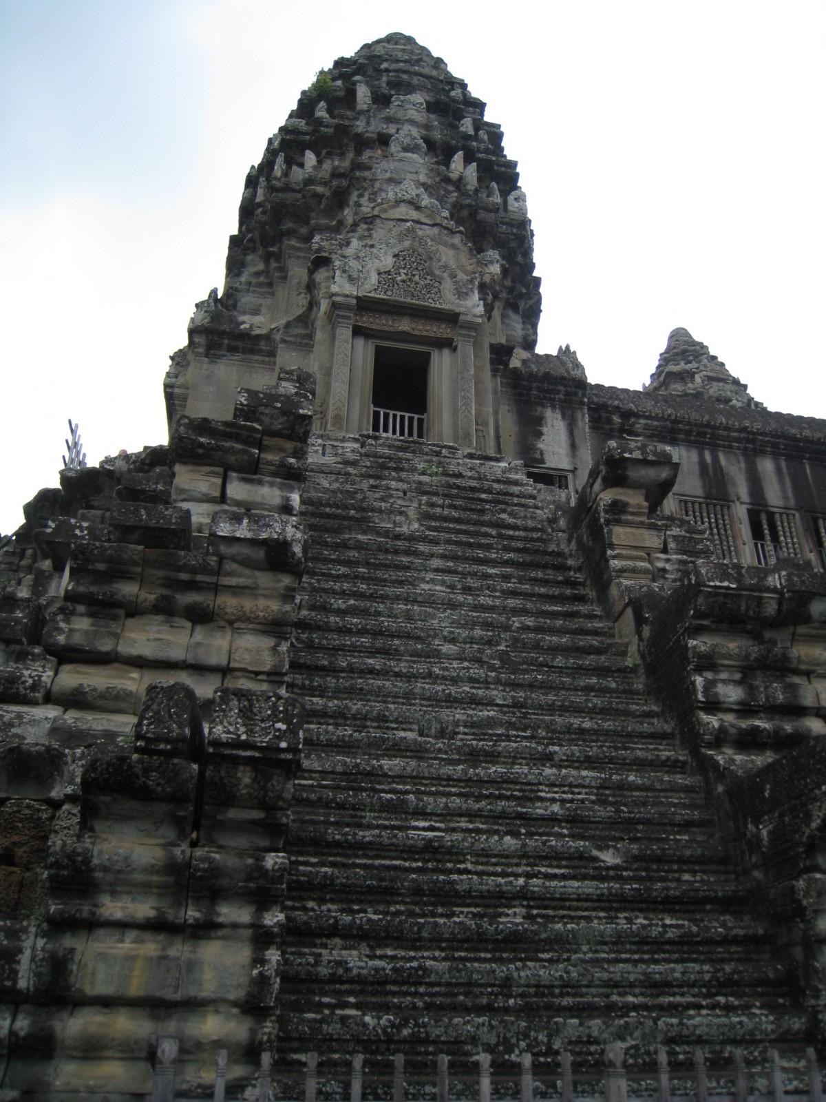 bouddha en pierre pour extérieur