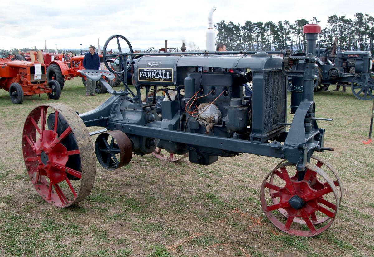 images gratuites tracteur roue agriculture v hicule voiture ancienne domaine public. Black Bedroom Furniture Sets. Home Design Ideas