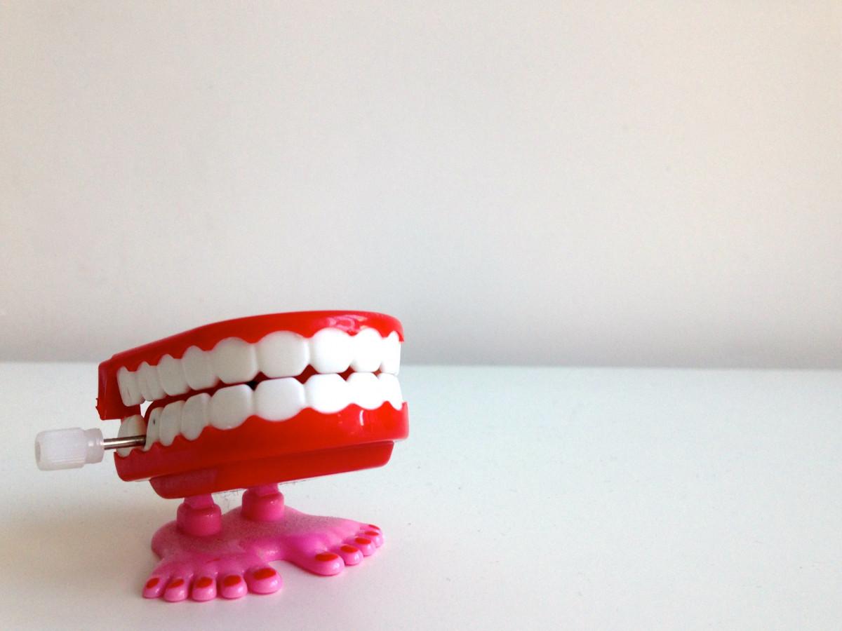 Pourquoi les jouets de dentition sont nécessaires