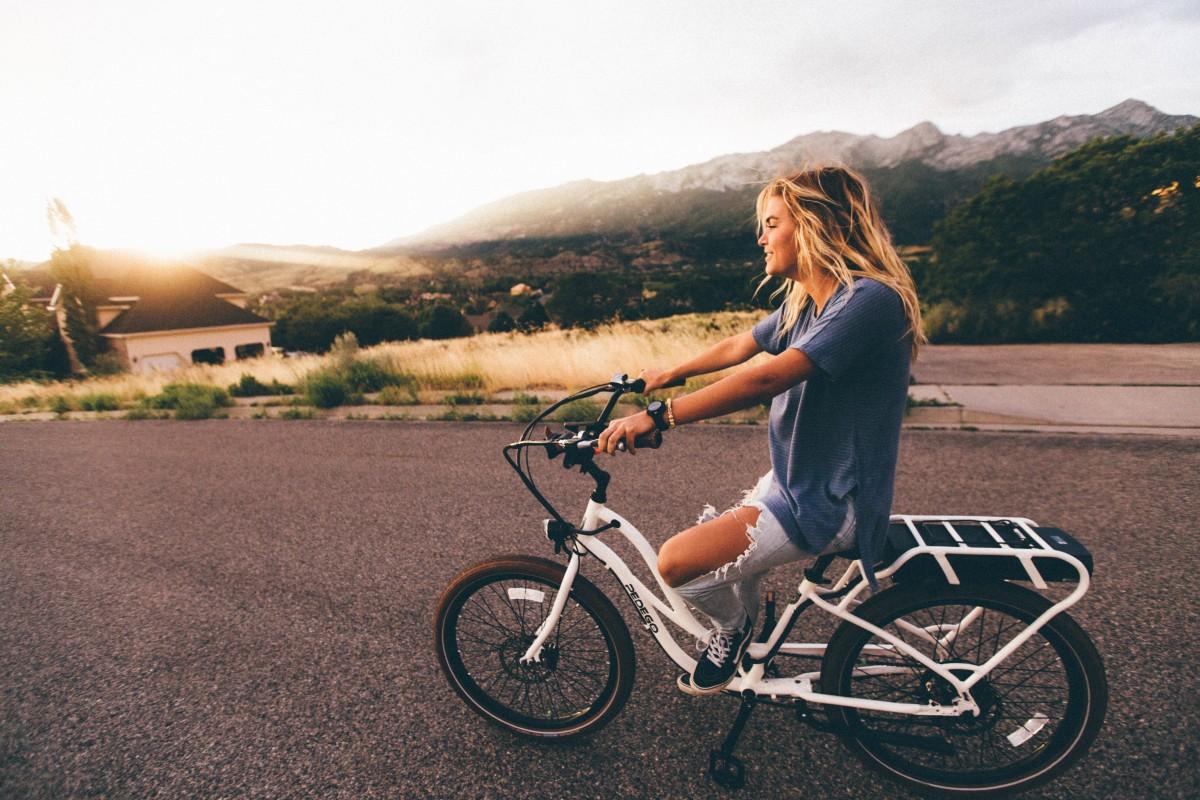 la personne fille route vélo bicyclette véhicule sport extrême équipement sportif vélo de montagne équitation cyclisme vélo de montagne Vélo de route Véhicule terrestre