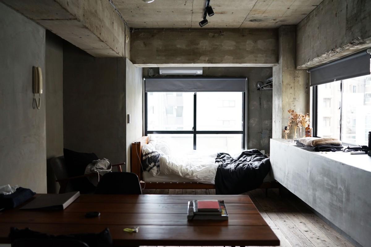 Holz Haus Stock Fenster Gebäude Zuhause Hütte Dachboden Eigentum Wohnzimmer  Zimmer Wohnung Innenarchitektur Entwurf Bett Bauernhaus