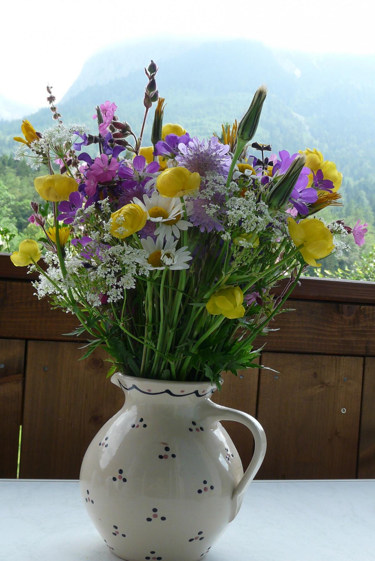 еще фото цветов букетов в кувшине чем преимущества нашего
