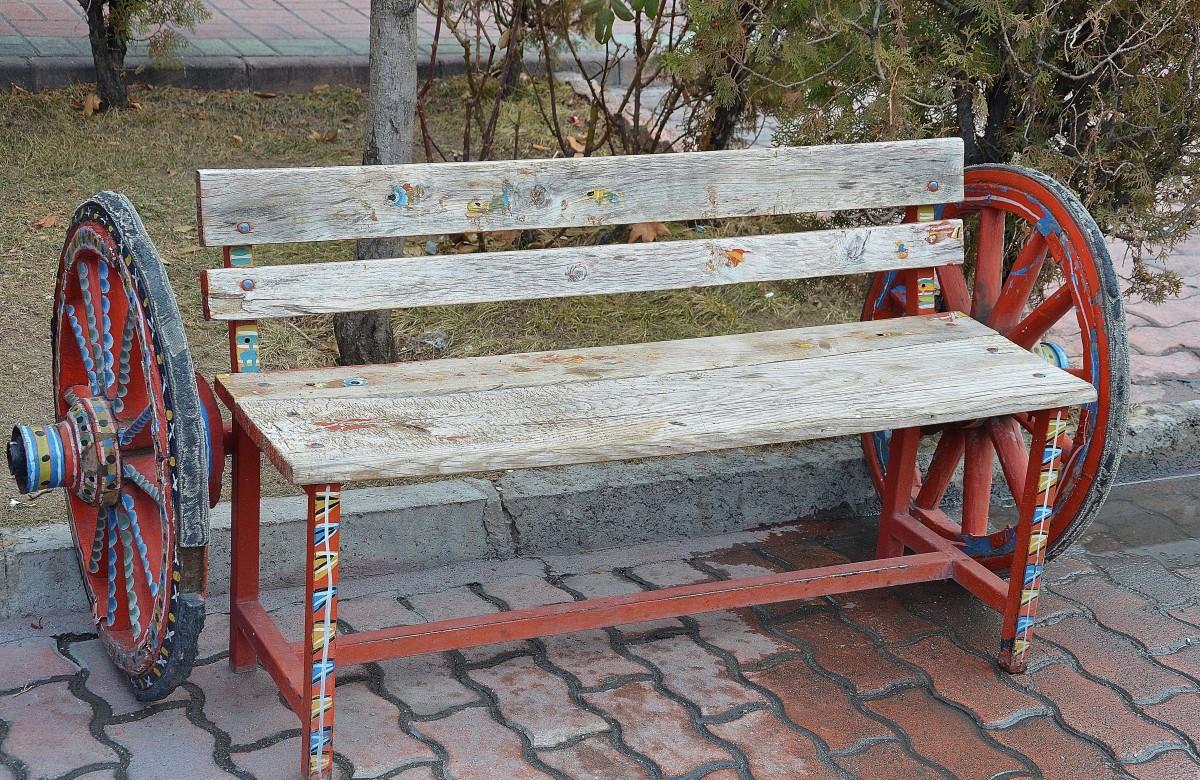 Fotos gratis : mesa, madera, banco, antiguo, carro, silla, edificio ...