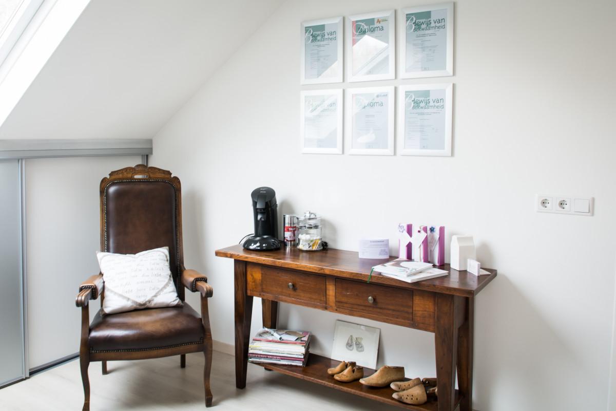 Free images floor home cottage office living room for Salon cottage