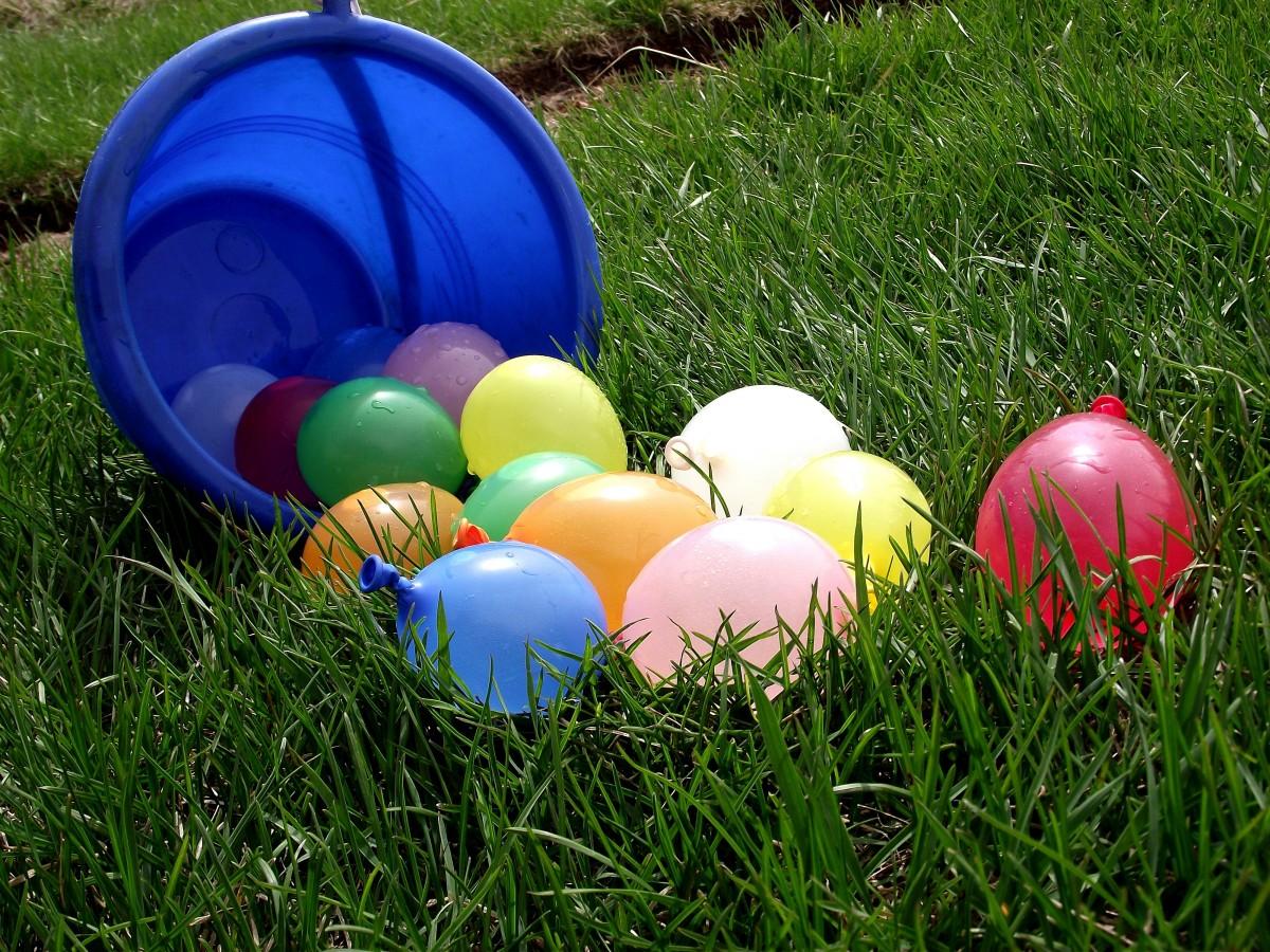 kostenlose foto wasser spielen ballon nass sommer ferien schwimmbad schwimmen. Black Bedroom Furniture Sets. Home Design Ideas