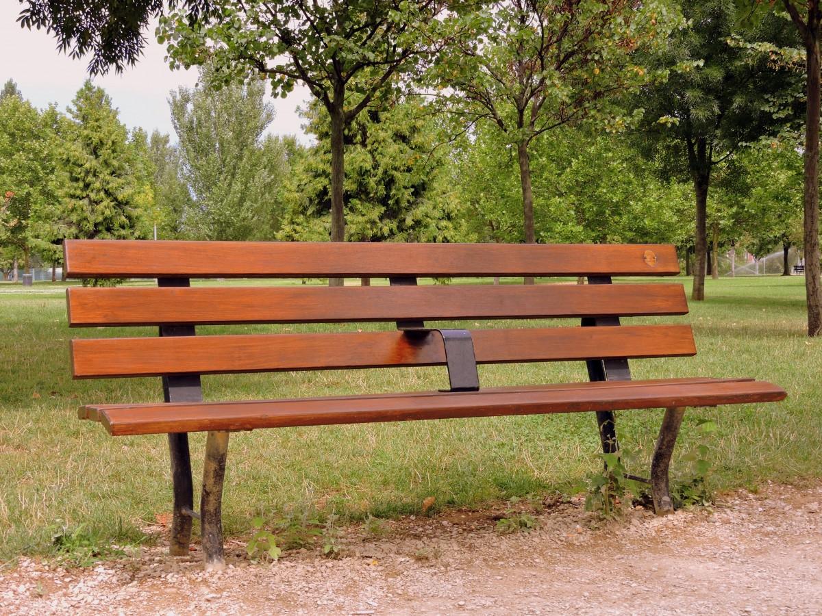 Fotos gratis mesa naturaleza al aire libre for Banco de paletas al aire libre