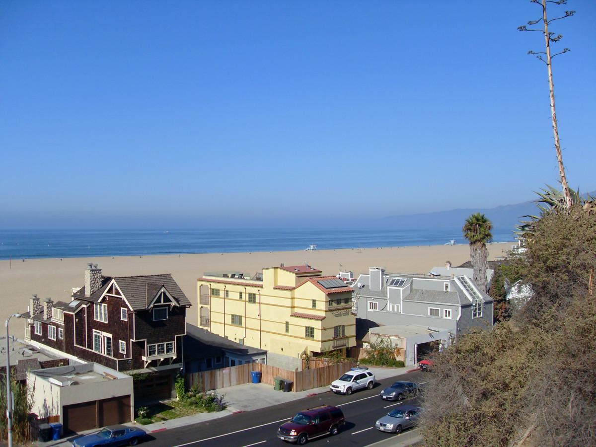 Beauiful Houses On The Beach