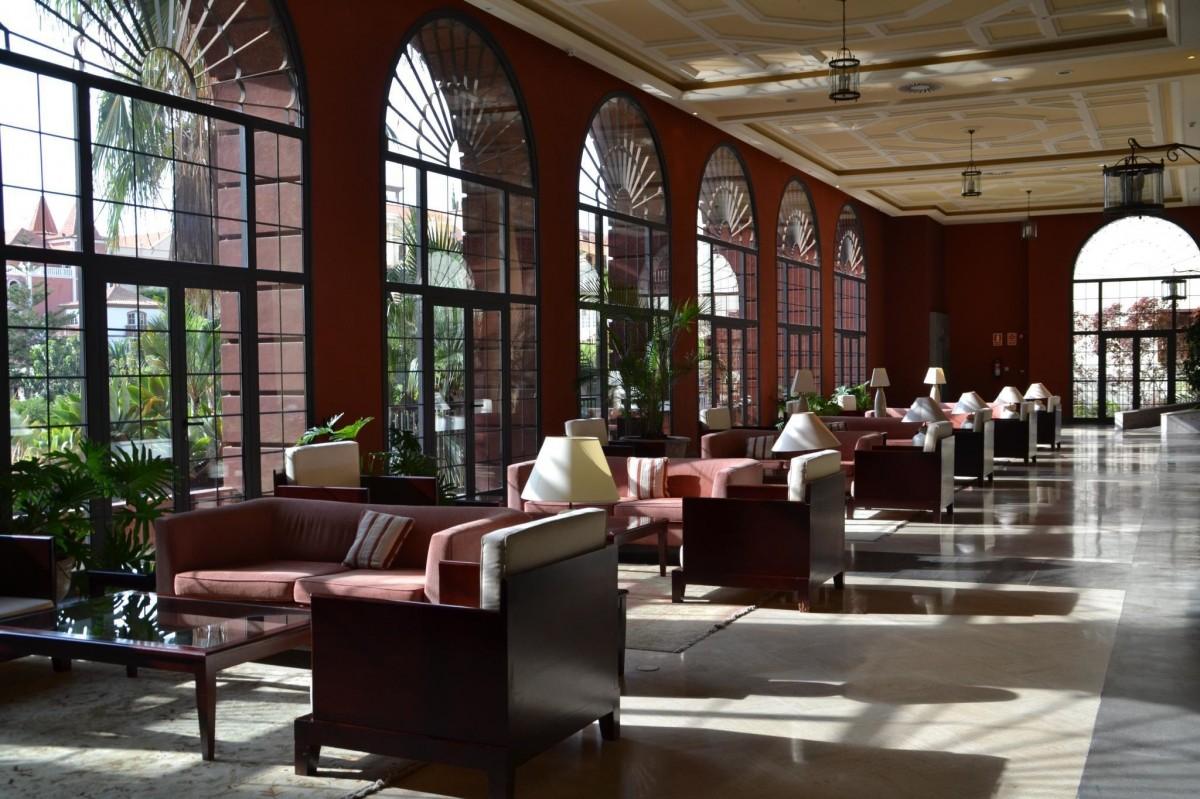 Woonkamer Met Bibliotheek : Gratis afbeeldingen : zon gebouw restaurant huis vakantie
