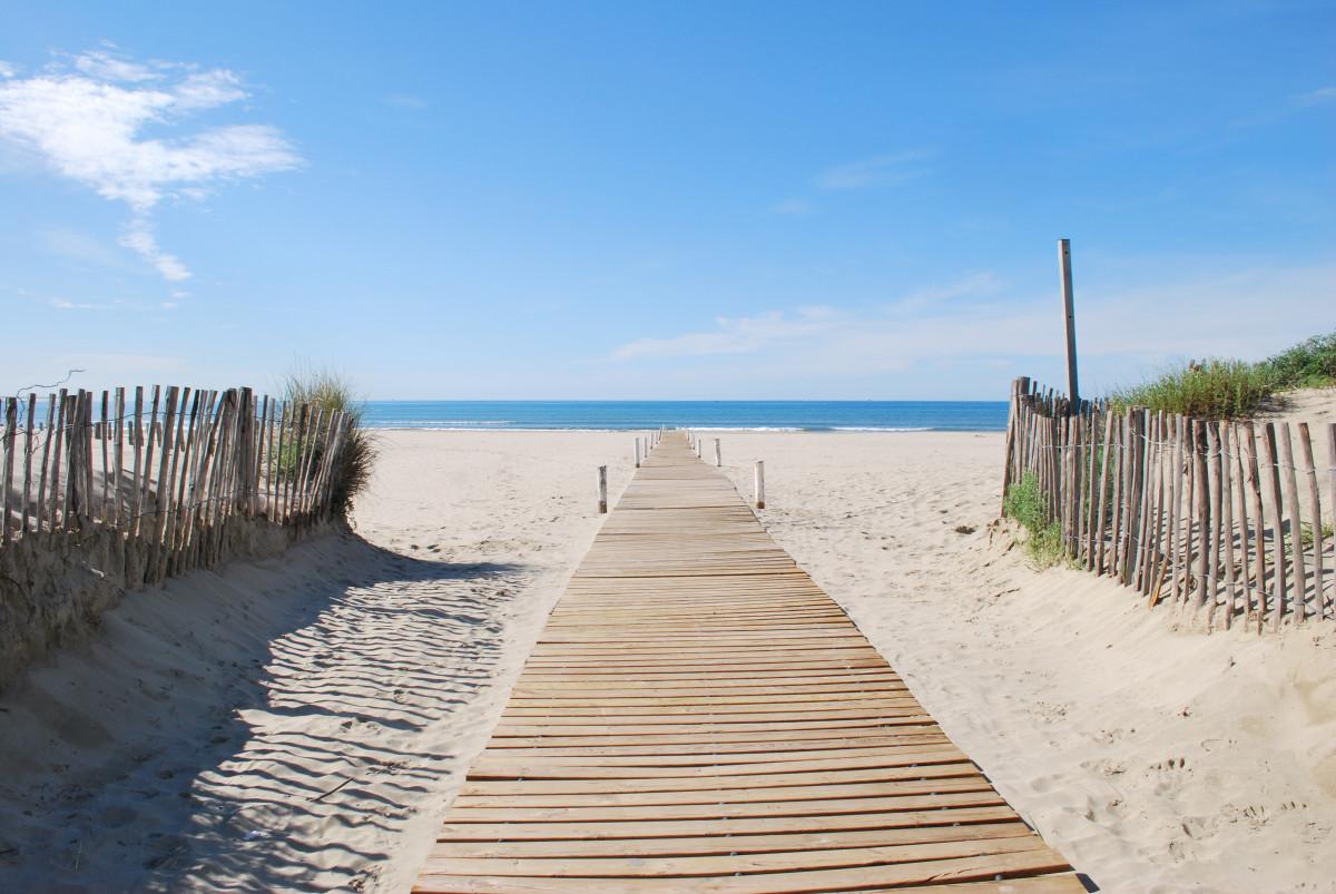 plage mer côte le sable océan Dock Promenade rive jetée Passerelle vacances baie plan d'eau Montpellier habitat Carnon Plage, sentier La grande motte Le grand travers