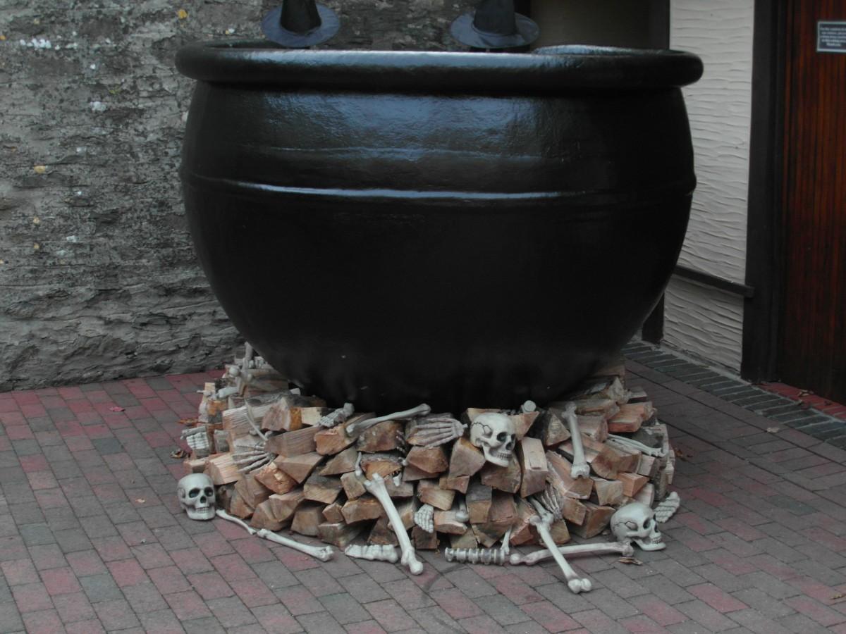 Kostenlose foto : Holz, Keramik, Halloween, Eisen, Hexe, Kessel ...