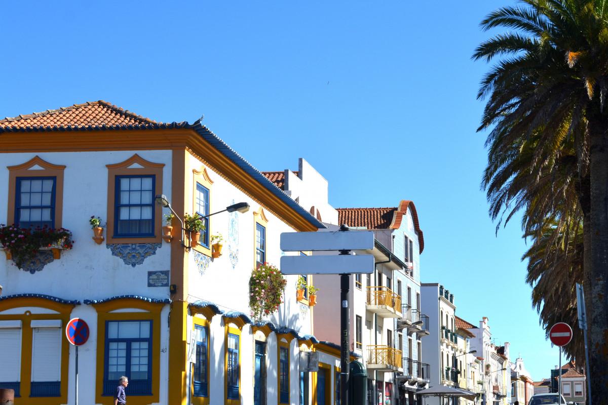 Fotos gratis casa pueblo vacaciones fachada - Casa pueblo fotos ...