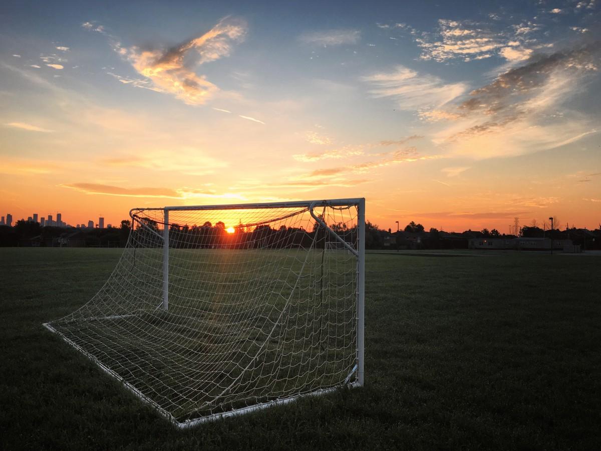 Free Images : iphone, sea, horizon, light, cloud, sky, sun, sunrise, sunset, sport, field ...