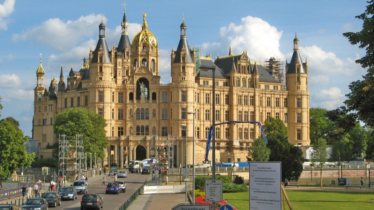 Immagini belle costruzione chateau palazzo plaza for Disegni di casa chateau francese