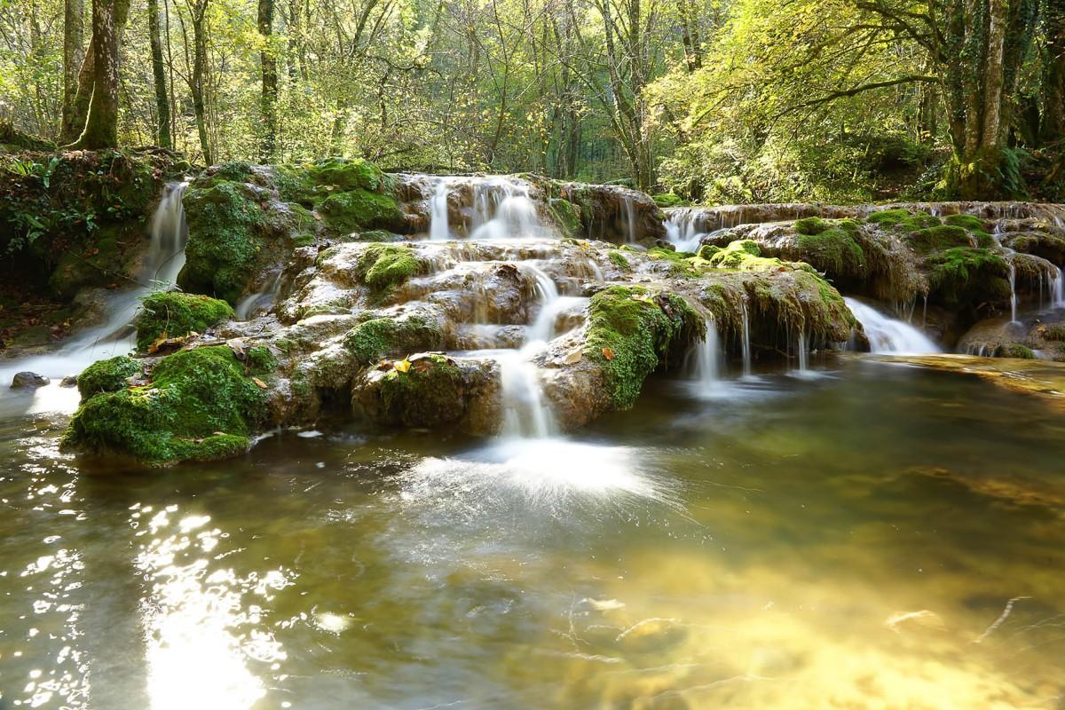 bruit de cascade d'eau