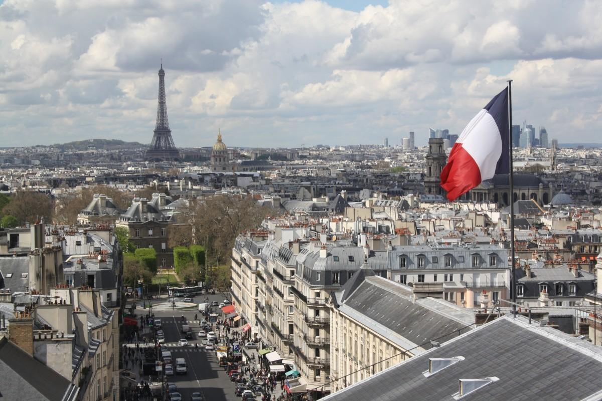 drapeau notre dame de paris