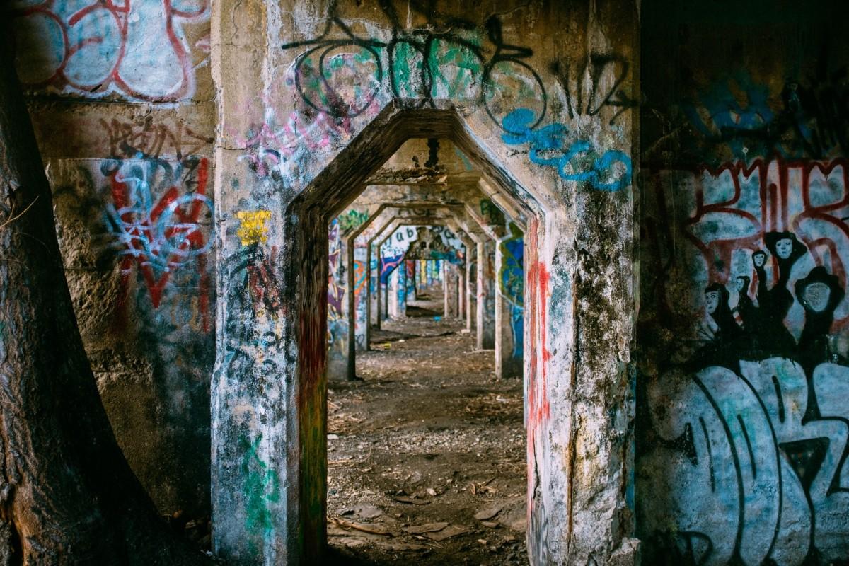 Gratis afbeeldingen stedelijk metro rood kleur graffiti