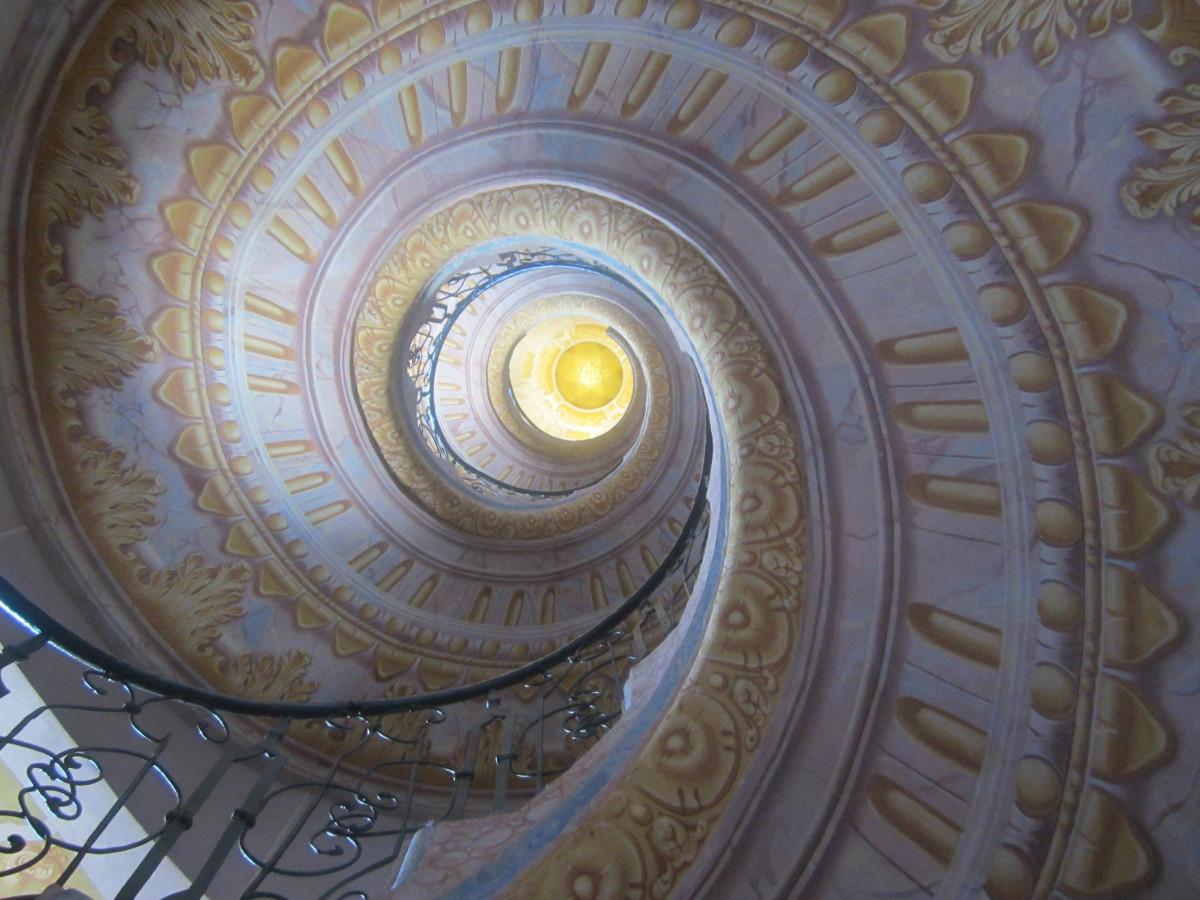 images gratuites spirale plafond escalier en colima on. Black Bedroom Furniture Sets. Home Design Ideas
