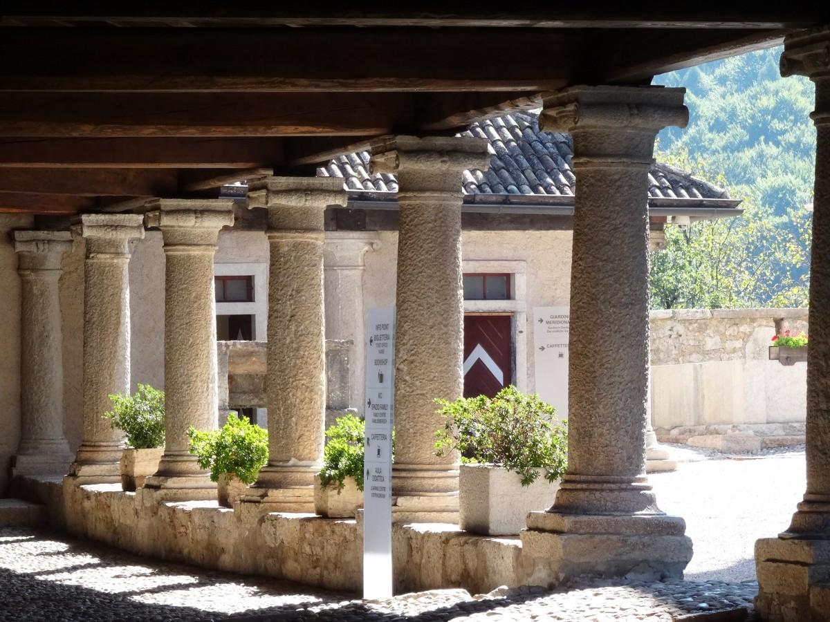 Fotos gratis arquitectura estructura casa arco for Diseno de interiores de casas gratis