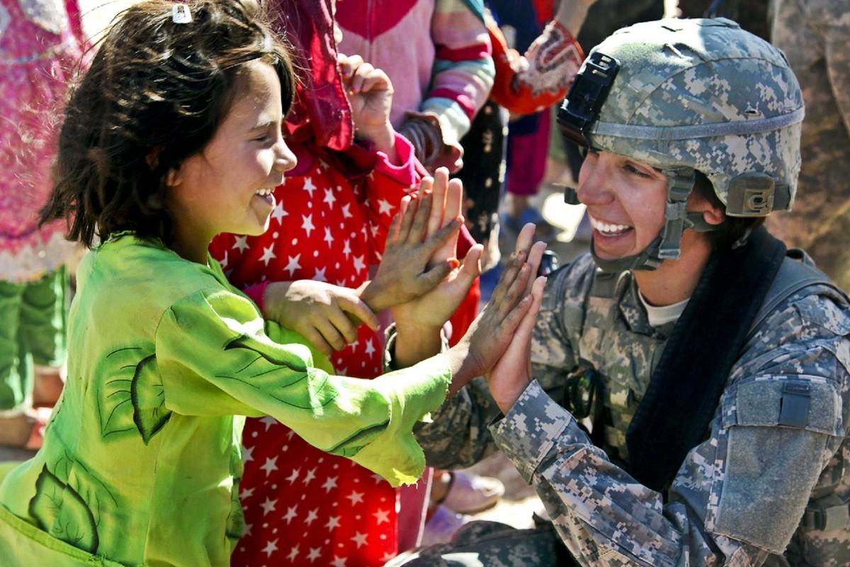 начала военослужащие женщены в армии сша оборудование