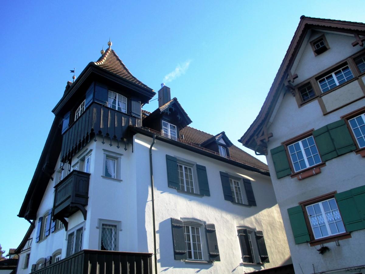 Images gratuites architecture bois maison lumi re du for Fenetre de toit balcon