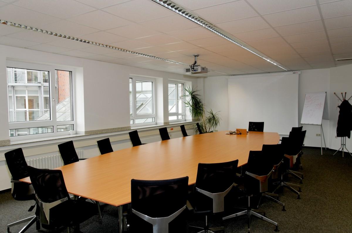 Fotos gratis mesa silla reuni n corporativo oficina for Diseno de interiores formacion profesional