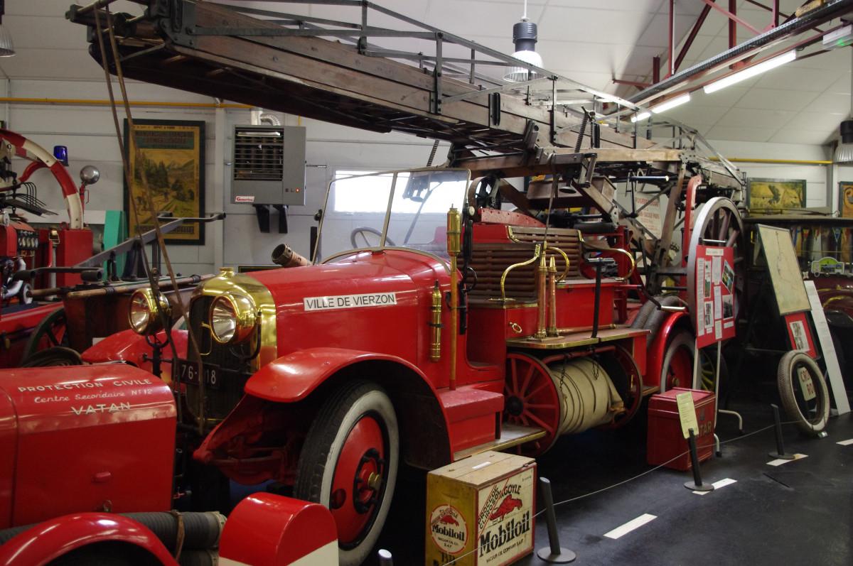 images gratuites transport un camion v hicule vieille voiture pompiers pompier voiture. Black Bedroom Furniture Sets. Home Design Ideas