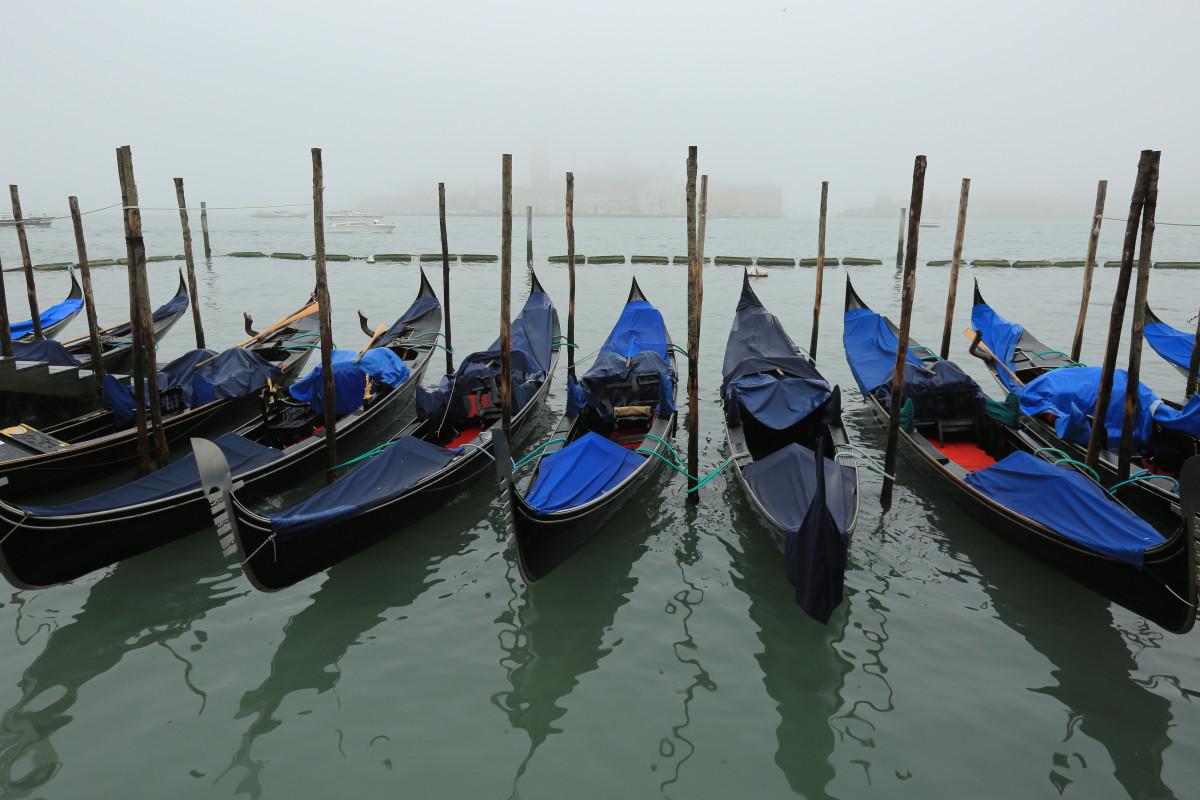лодка похожая на гондолу