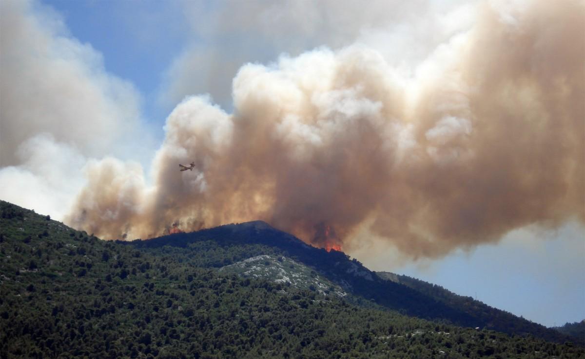 Free Images : sky, field, prairie, smoke, environment ...