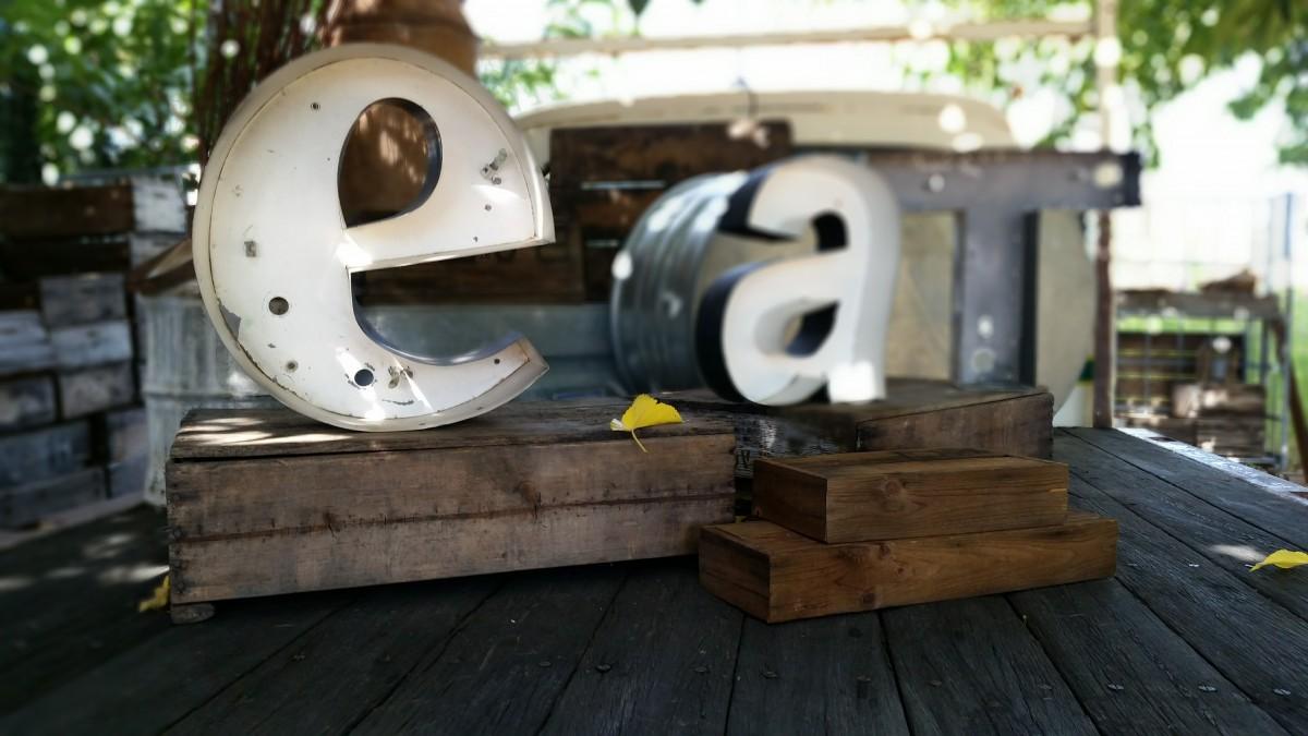 Gratis afbeeldingen : tafel natuur hout wit wijnoogst retro