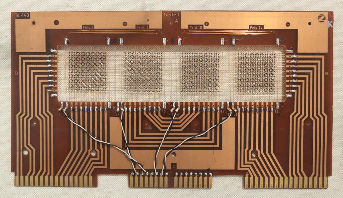 Images gratuites ordinateur planche bois la for Interieur ordinateur