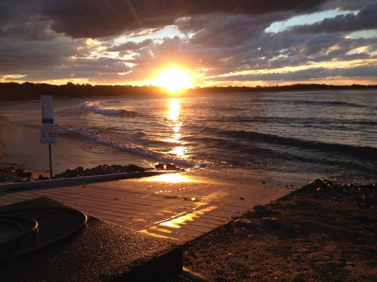 Images gratuites plage mer c te eau for t oc an horizon nuage soleil lever du soleil - Palpitations le soir au coucher ...