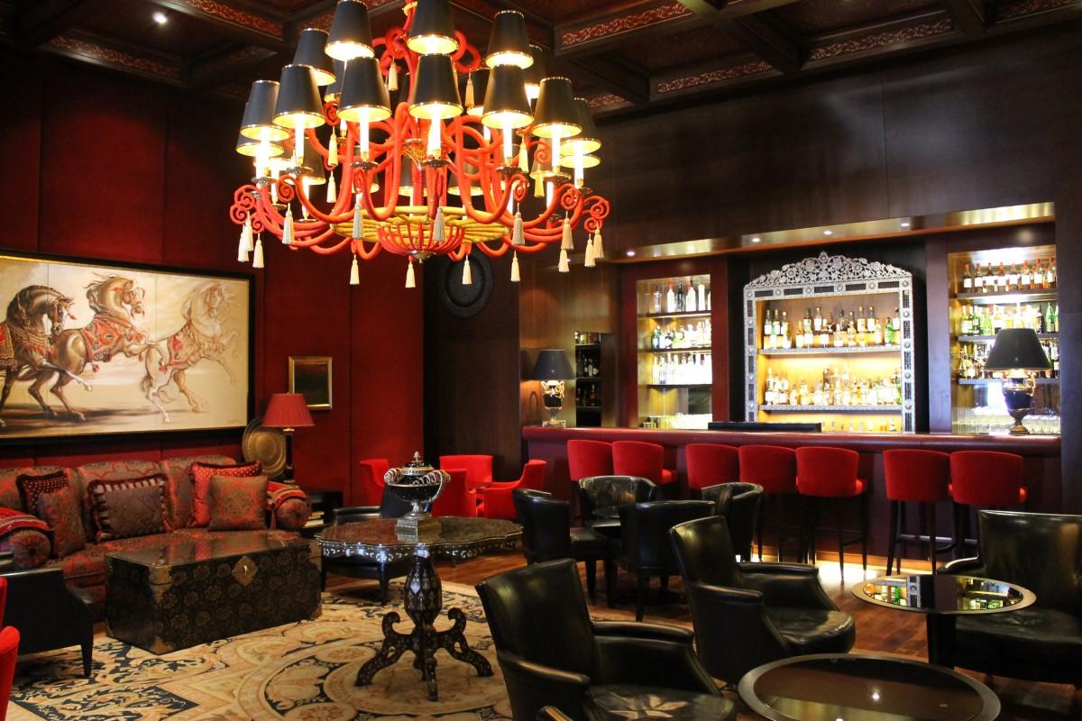 images gratuites caf lumi re int rieur restaurant bar bar de l 39 h tel 4272x2848. Black Bedroom Furniture Sets. Home Design Ideas