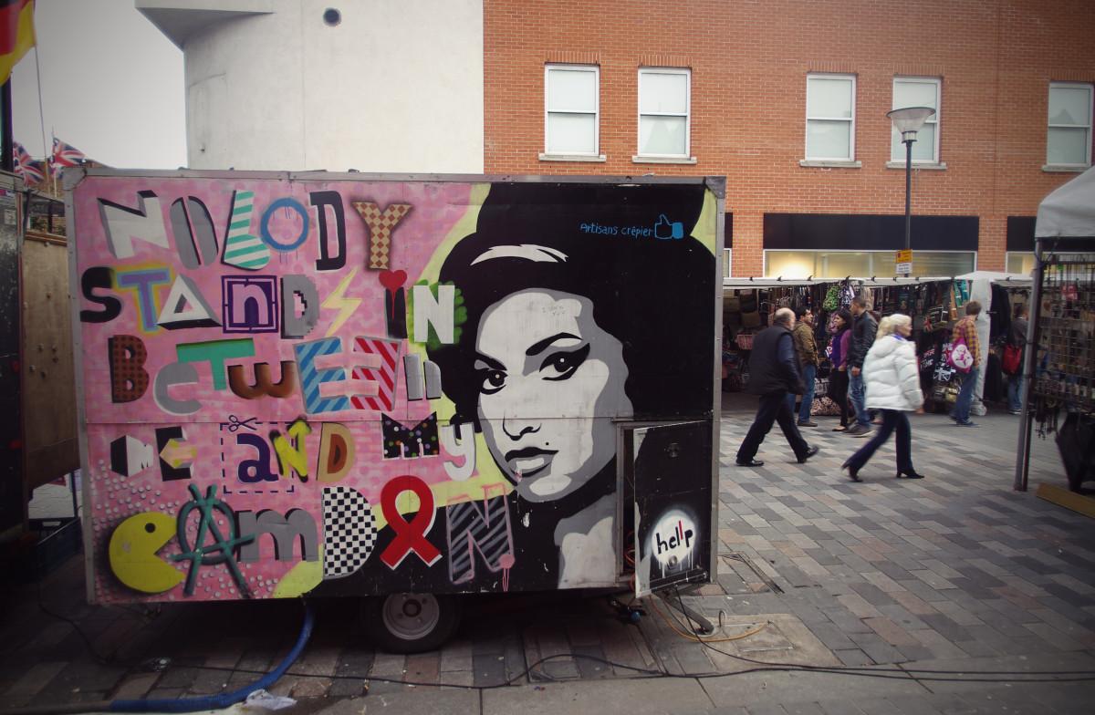 Kết quả hình ảnh cho nghệ sĩ đường phố london
