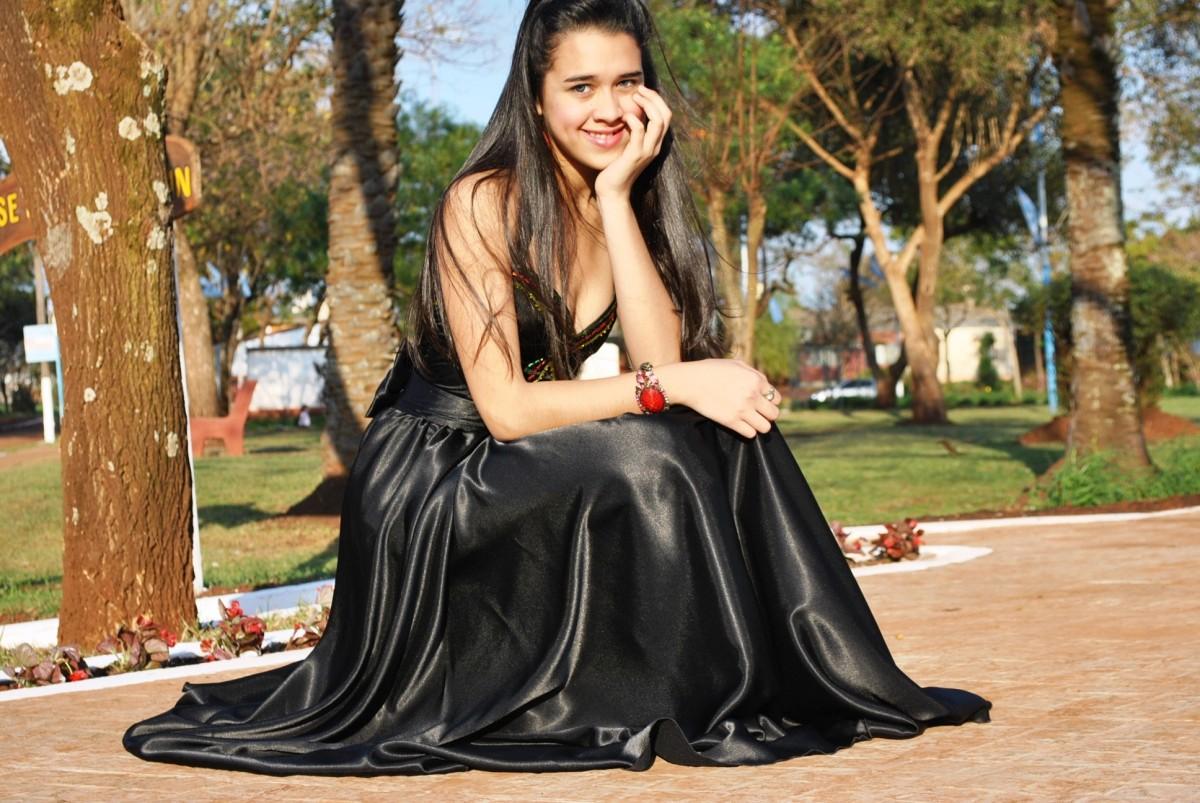 kvindelige billeder studerende kjole