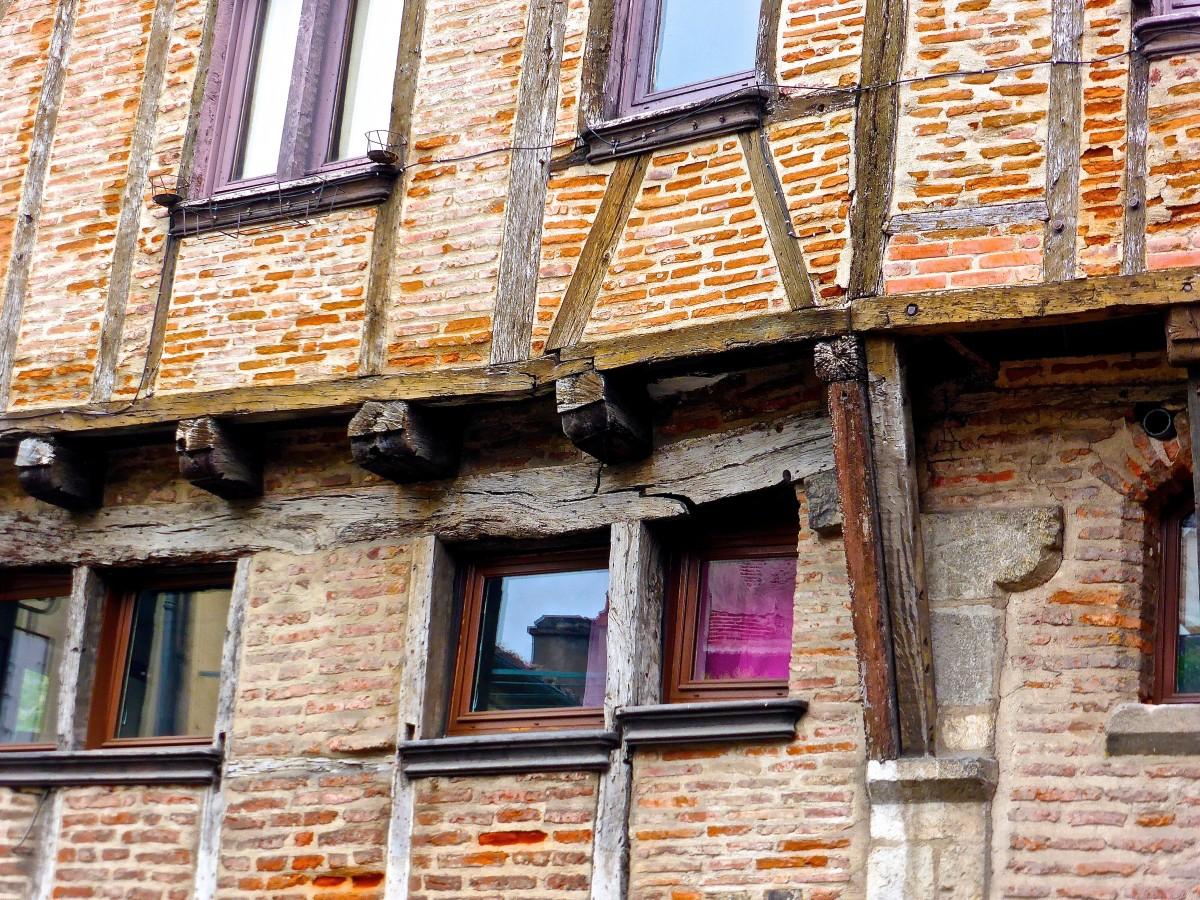 Struktur Holz Haus Fenster Stadt Dach Alt Mauer Strahl Balkon Hütte Farbe  Fassade Eigentum Ziegel Mittelalterlich