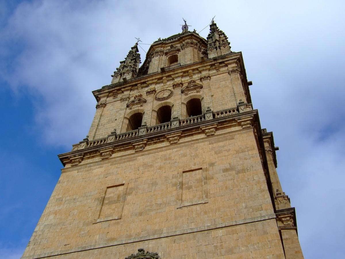 arquitectura edificio torre punto de referencia Iglesia catedral lugar de adoración campanario España templo campanario salamanca historia antigua