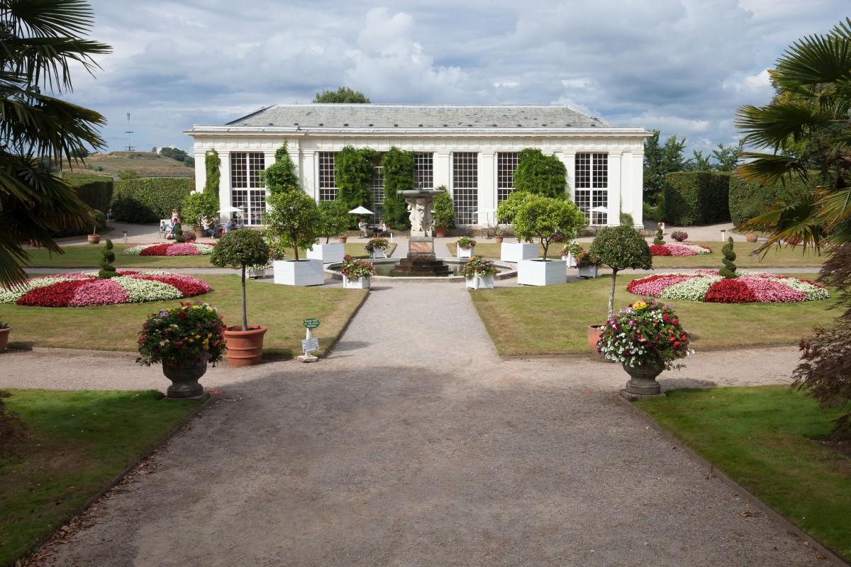 Free images lawn villa mansion house home cottage for Plant de villa