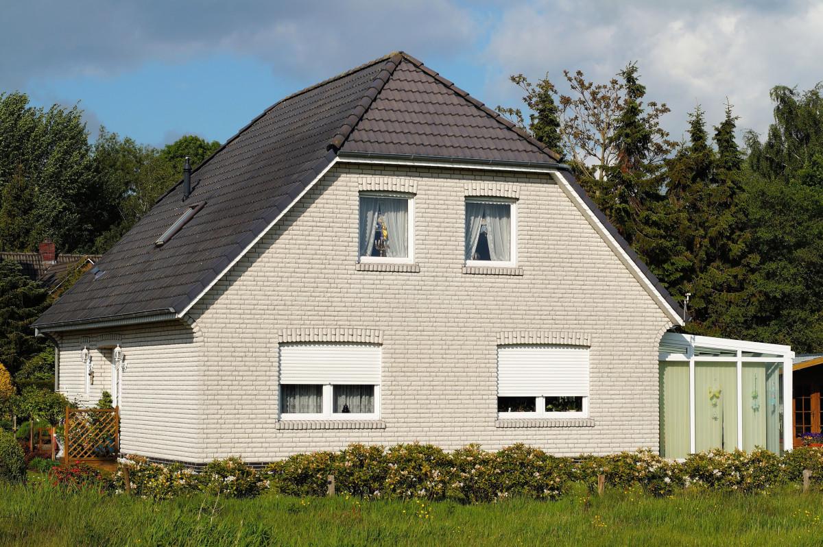 Images gratuites noir et blanc architecture ciel bois for Extension maison zone rurale