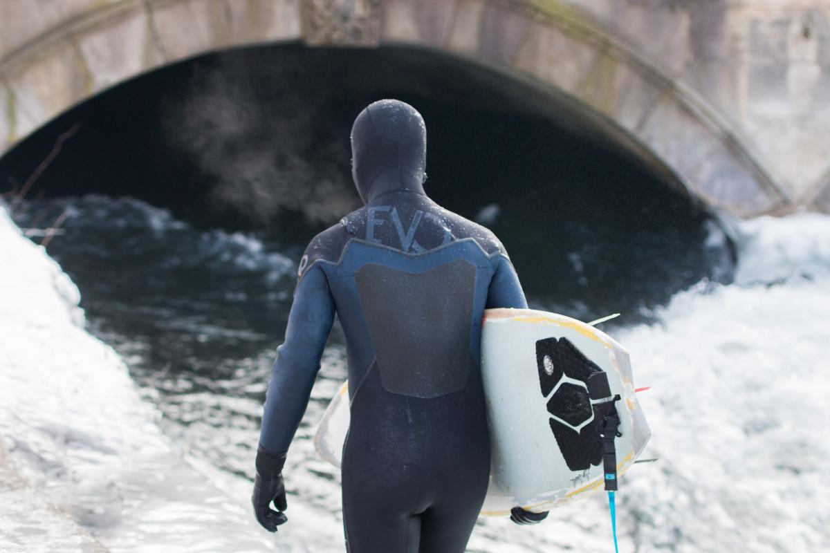 Images gratuites neige hiver marche m t o saison for Jardin anglais munich surf
