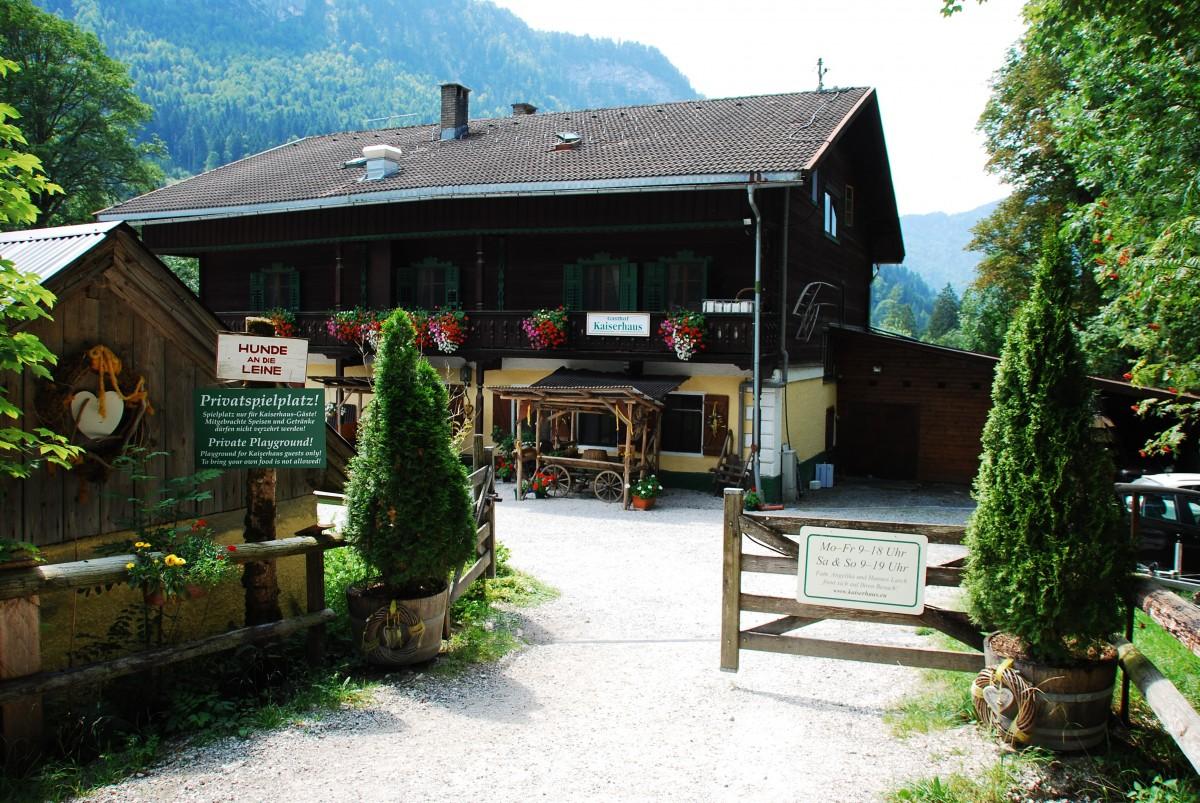 Fotos gratis paisaje naturaleza excursionismo casa for Casa jardin restaurante