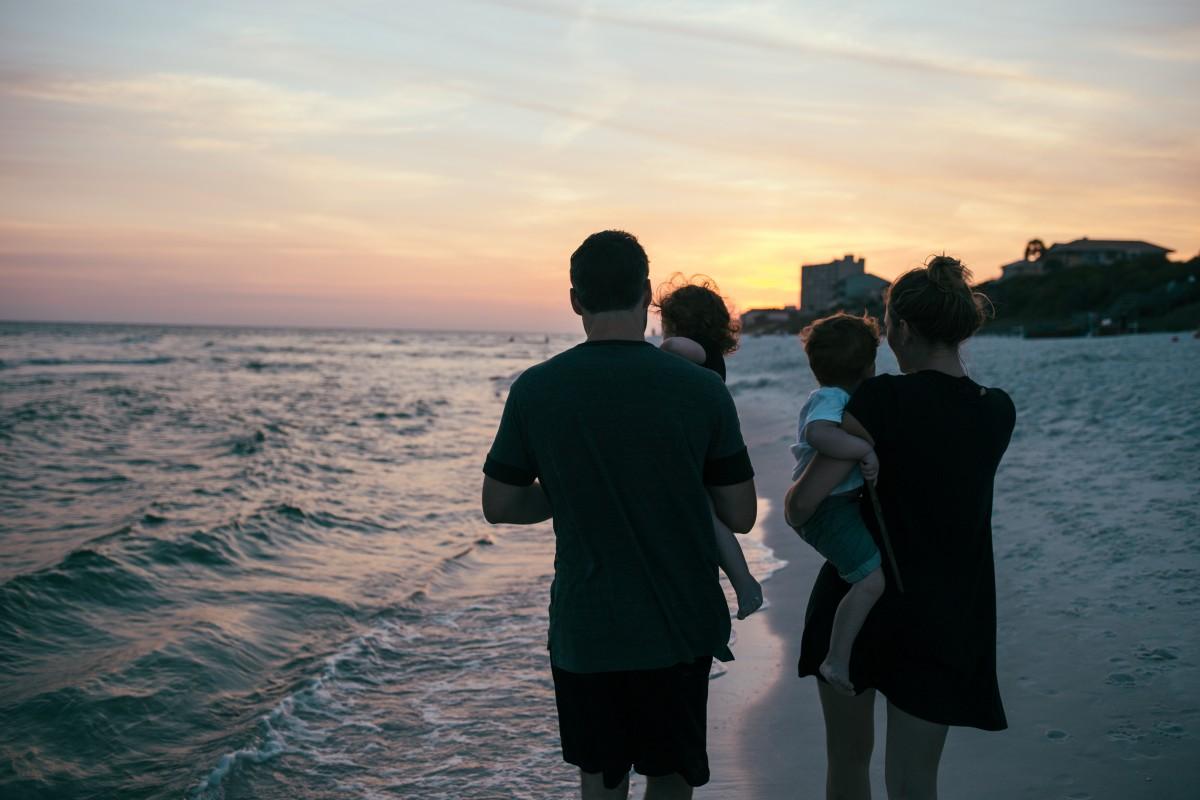 Днем рождения, семья на море картинки со спины